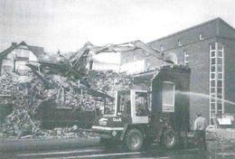 Abriss des Altbaus 1998